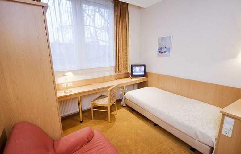 Van Walsum - Room - 3