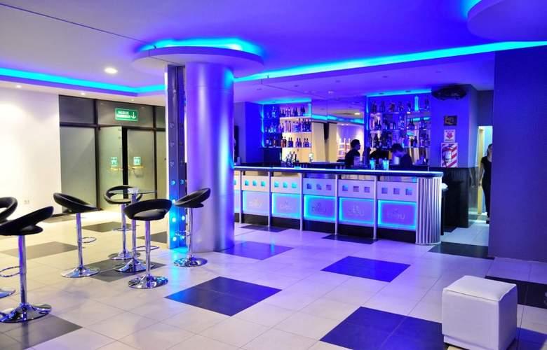 Carnaval Hotel Casino - Bar - 3