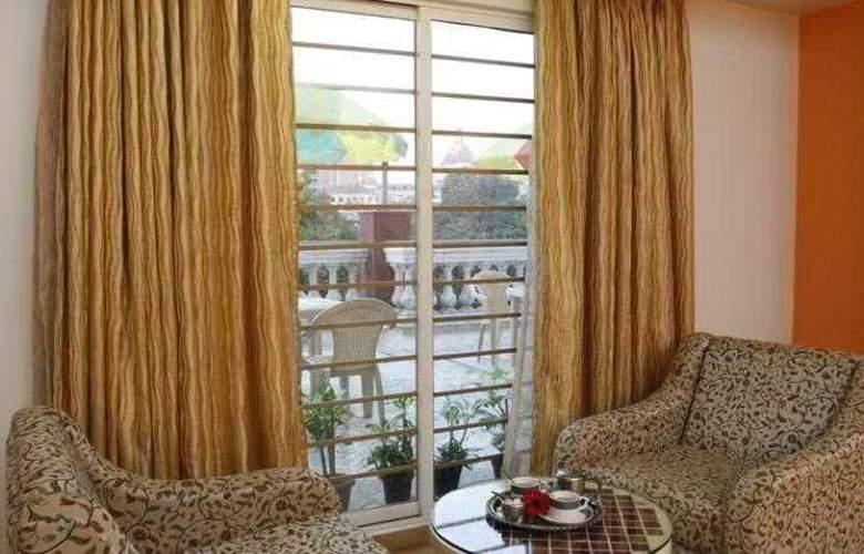 Garden Hotel Mumbai - Room - 8