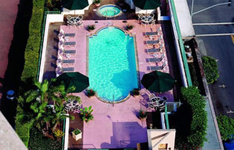 Westin Long Beach - Pool - 0