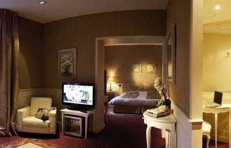 Best Western Grand Monarque - Hotel - 1