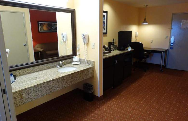 Best Western Plus Carlton Suites - Room - 39