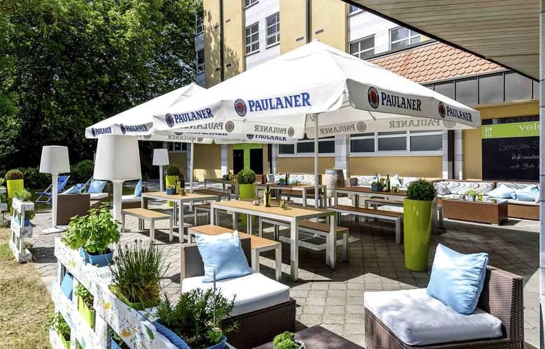 ibis Styles Hotel Regensburg - Terrace - 18