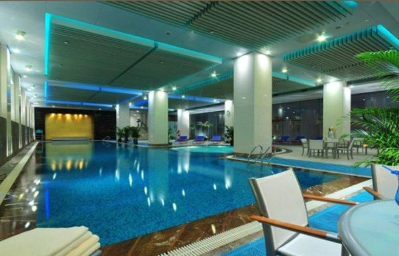 The Eton - Pool - 3
