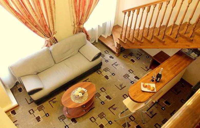 Deluxe Hotel - Room - 21