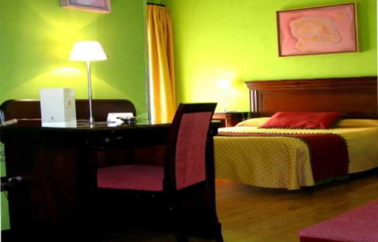 Carlos V - Room - 2