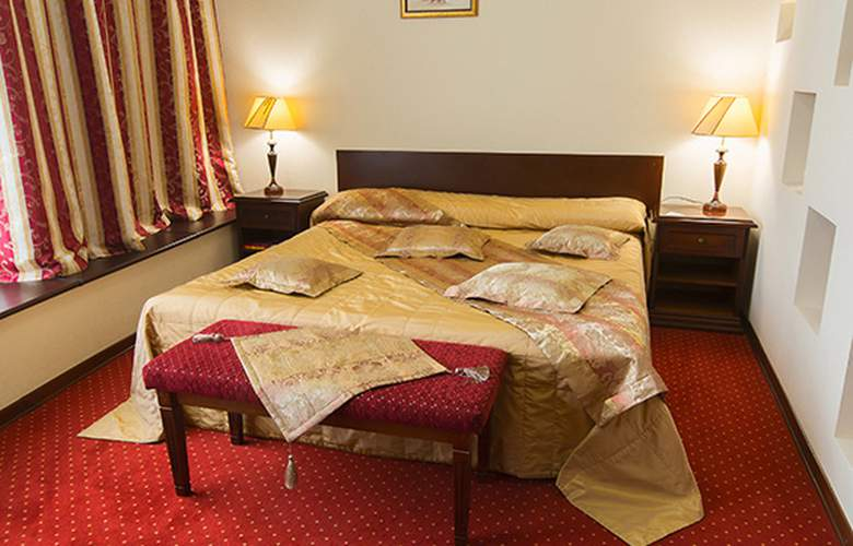 Red Royal - Room - 6