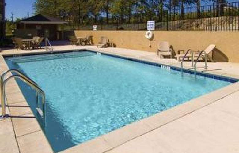Comfort Inn & Suites Augusta - Pool - 6