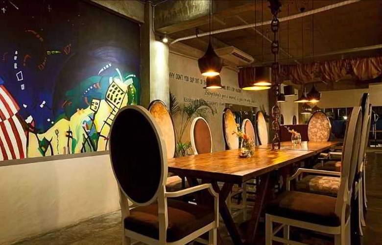 The Henry - Restaurant - 4
