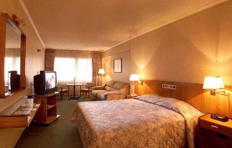 Balmoral Plaza - Room - 0