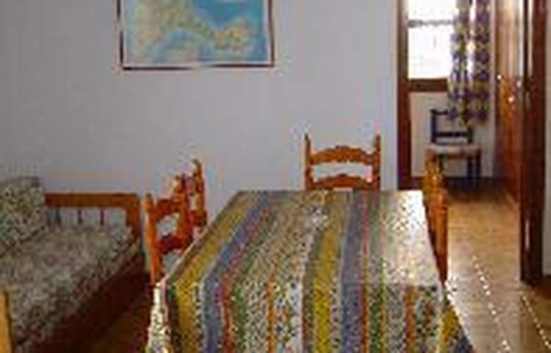 Apartamentos Verdera - Room - 2