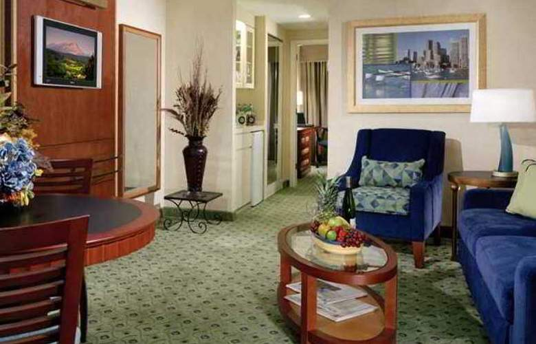 Doubletree Guest Suites Boston - Hotel - 4