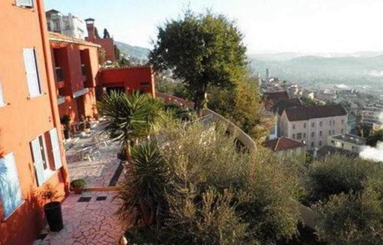 Mandarina Hotel - Terrace - 3