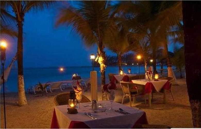Fantasy Island Dive Resort - Restaurant - 2