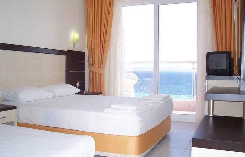 Kleopatra Balik Hotel - Room - 4