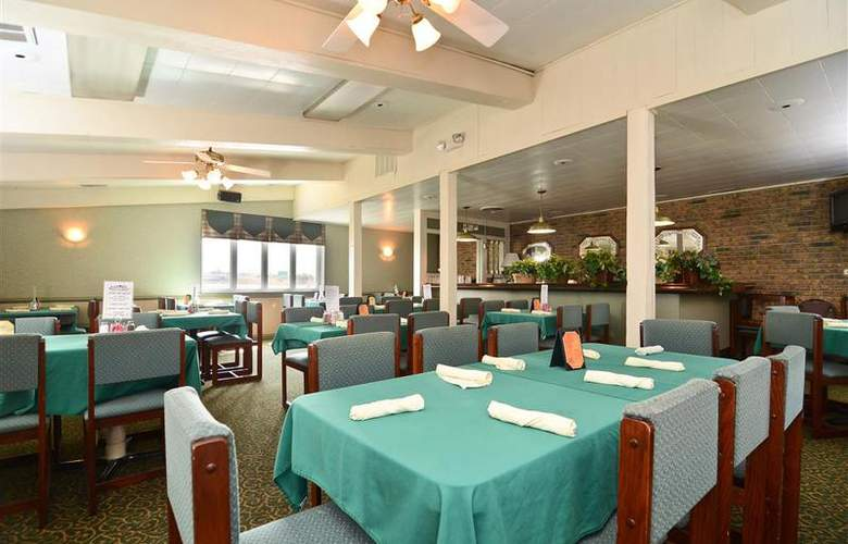 Best Western Raintree Inn - Restaurant - 166