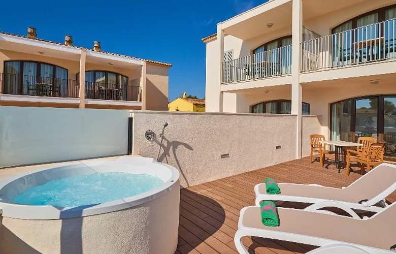 Protur Floriana Resort - Room - 8