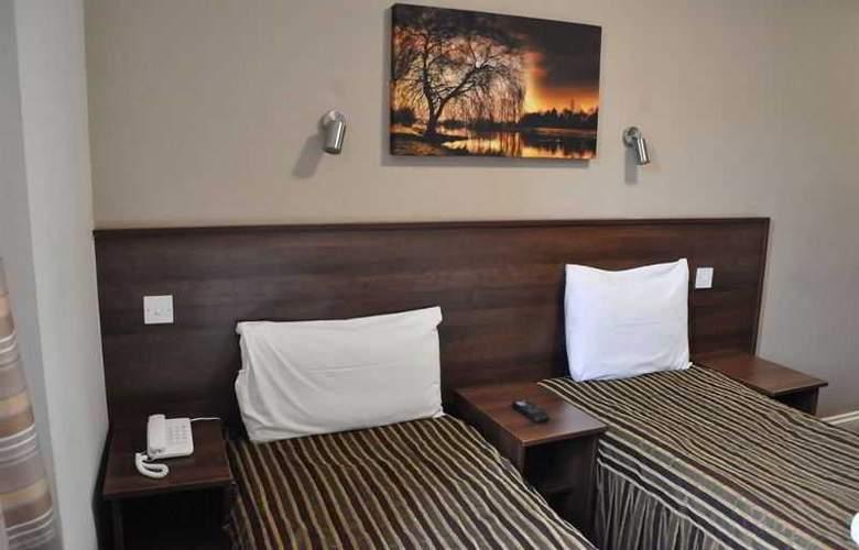 Ascot Hyde Park Hotel - Room - 13