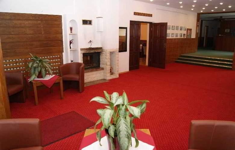 Perla Lesna - Hotel - 0