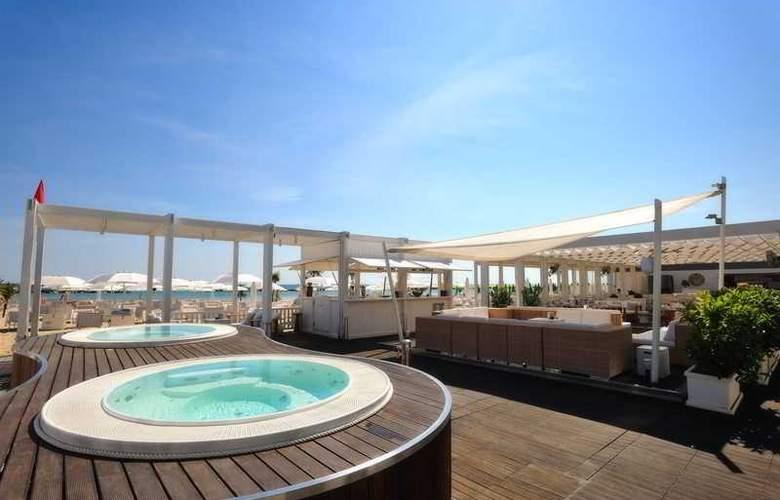 Excelsior Pesaro - Beach - 21