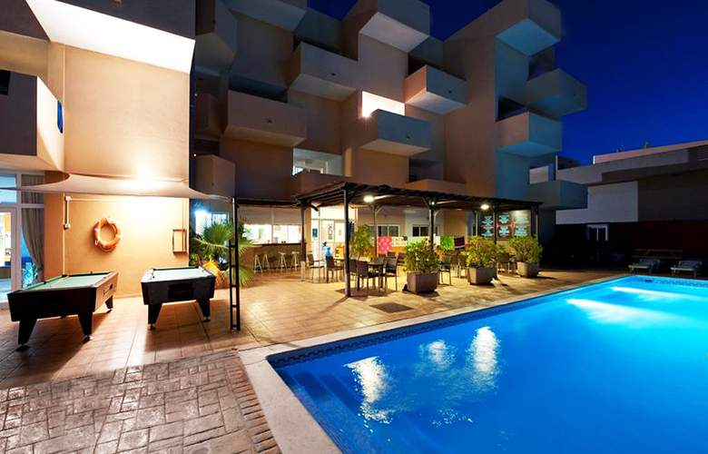 Blue Star Apartamentos - Pool - 23