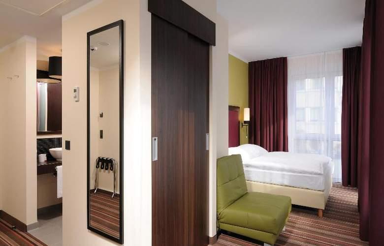 Leonardo Berlin - Room - 17