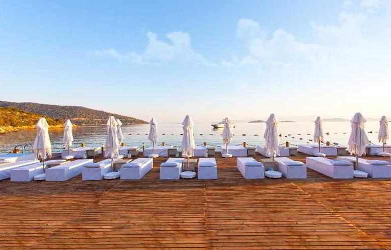 Thor Luxury Hotel & Villas - Beach - 5