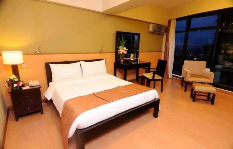 The Malayan Plaza Hotel - Room - 4