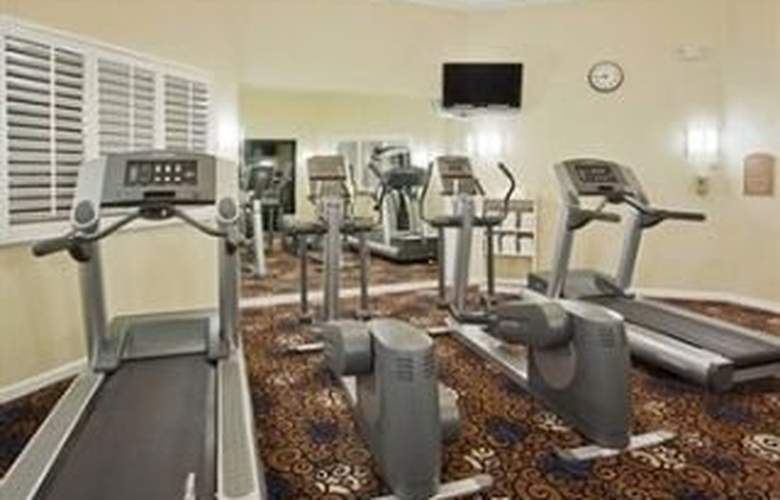 Holiday Inn Express Hotel & Suites San Jose - Sport - 6