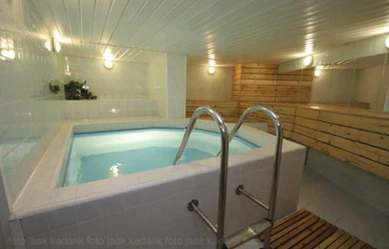 Dorell Guesthouse - Pool - 1