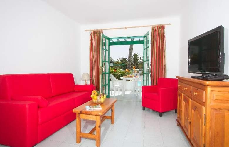 Nazaret Apartments - Room - 7