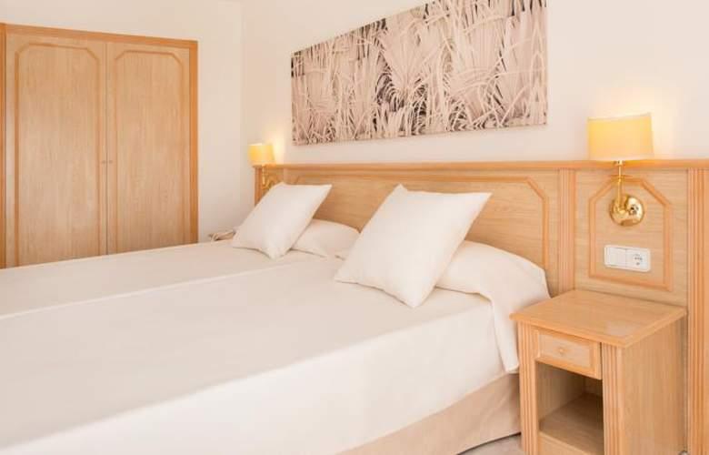 OLE Galeón Ibiza - Room - 11