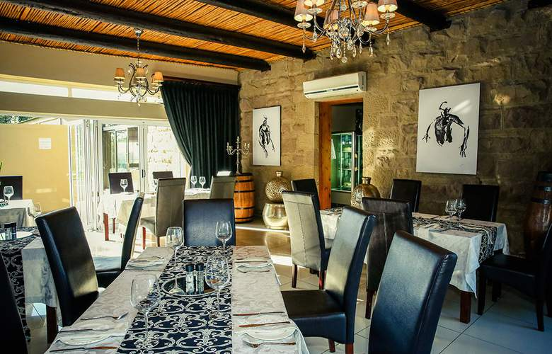 Surval Boutique Olive Estate - Restaurant - 9