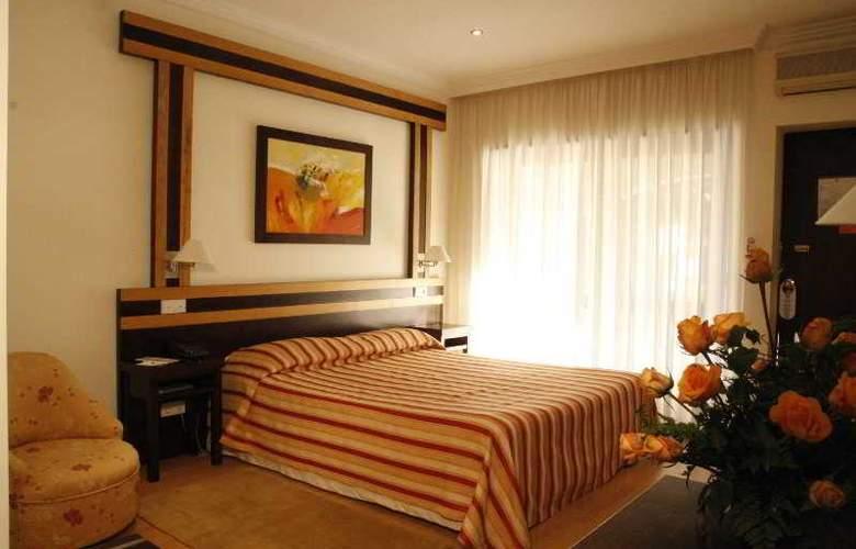 Quinta Tres Pinheiros - Room - 3