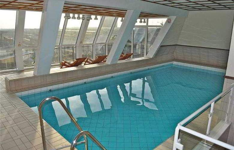 Savoy Frankfurt - Pool - 4