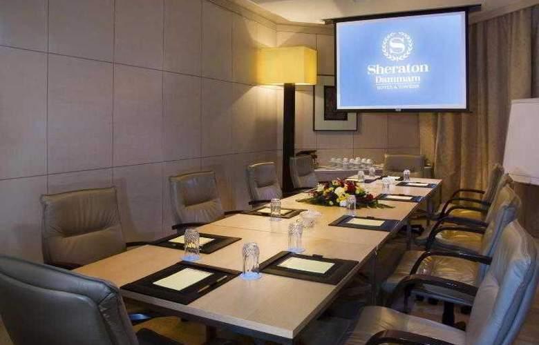 Sheraton Dammam Hotel & Towers - Hotel - 18