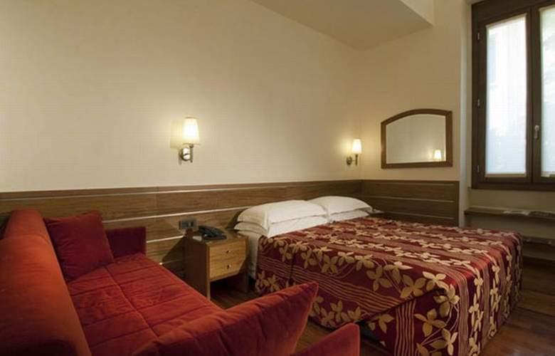 Ariosto - Room - 1