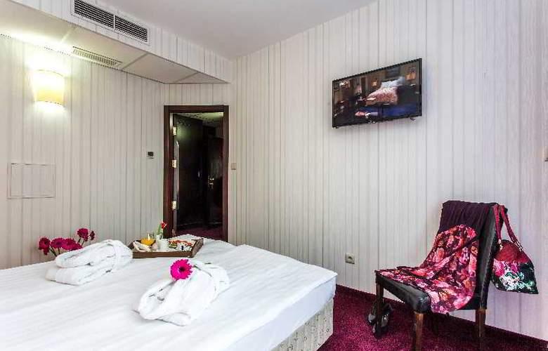 Best Western Art Plaza - Room - 16