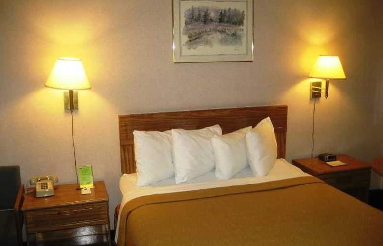 Econo Lodge Heavenly Village Area - Room - 9