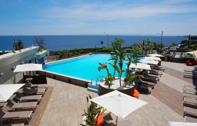 Four Points by Sheraton Catania Hotel & Conference - Pool - 3