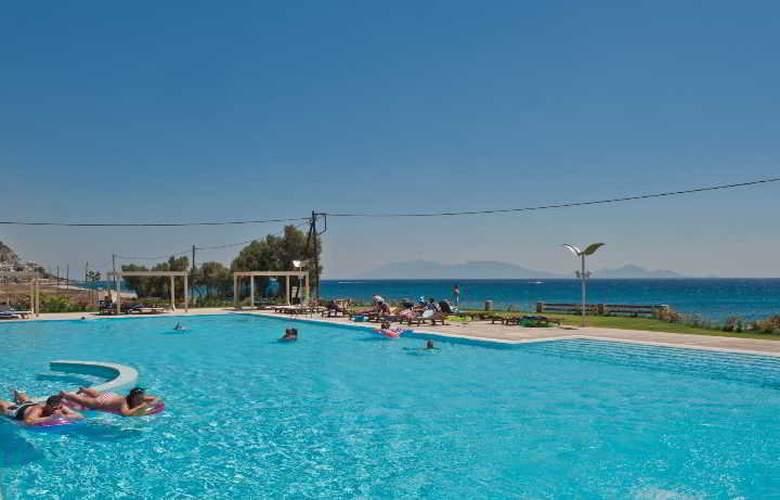 Akti Palace - Pool - 2
