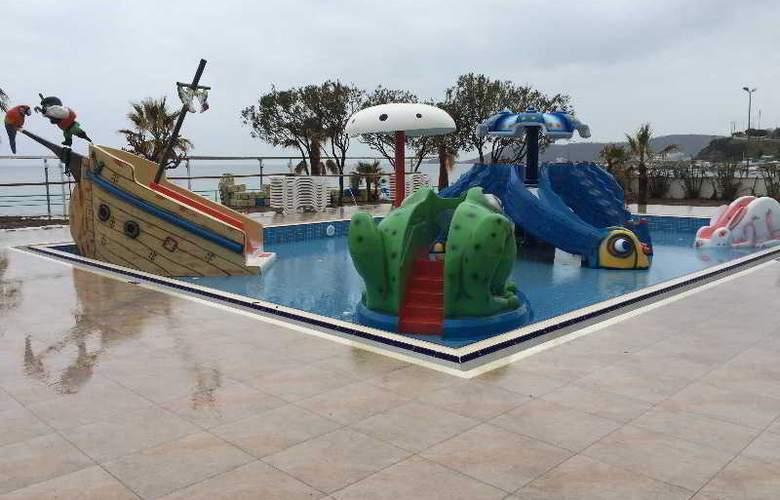 Grand Efe - Pool - 20