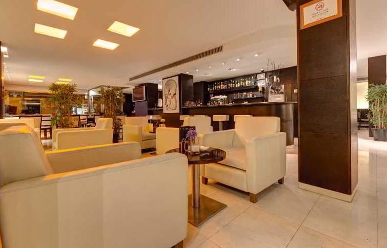 Acevi Villarroel - Restaurant - 17