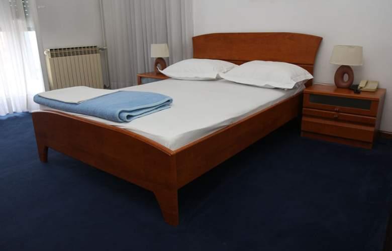 Bellevue - Room - 2