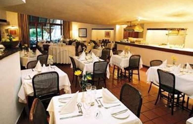 Protea Hotel Oudtshoorn Riempie Estate - Restaurant - 15