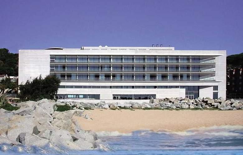 Colon - Hotel - 0