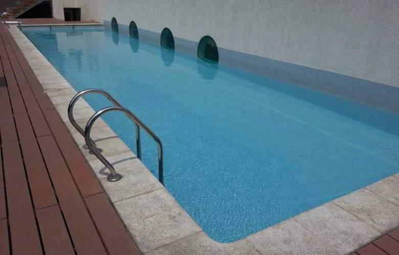 Santiago Apartamentos Centro - Pool - 0