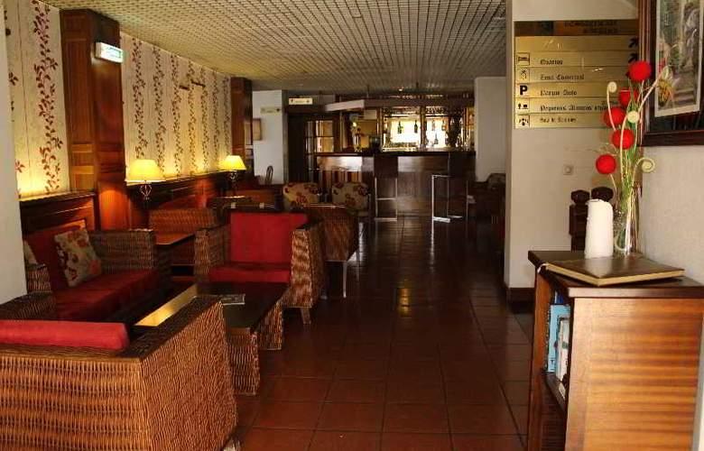 Hotel Residencial Batalha - Bar - 9