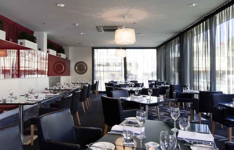Adelaide Rockford - Restaurant - 9