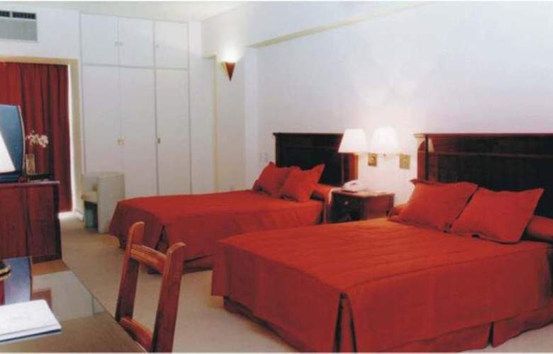 Provincial Plaza - Room - 3